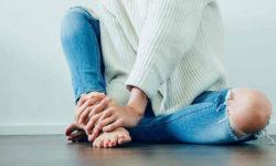 पैर दर्द का लक्षण और उपचार