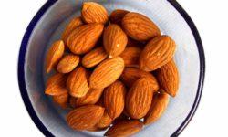 बादाम रोगन (बादाम तेल) के फायदे Badam Oil (Almond Oil) Roghan Badam Shirin Uses and Benefits in Hindi