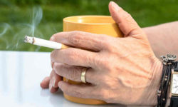 धूम्रपान बंद करने से तनाव और डिप्रेशन कम होता है